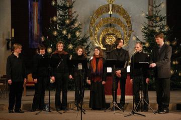Das Vokalensemble 16 Fuß im Adventskonzert in St. Ludwig